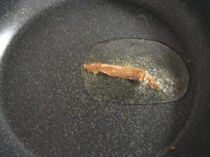 アンチョビとブロッコリーのにんにく炒め1