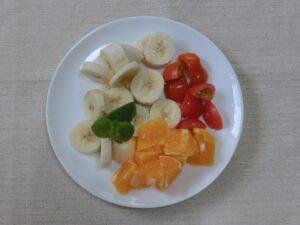 フルーツのヨーグルトサラダ2