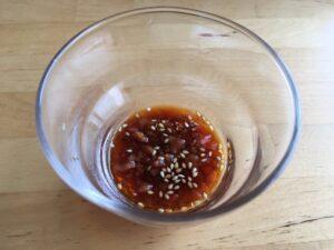 つるっと冷たい、鳥ムネ肉の梅肉ソースをつけて3