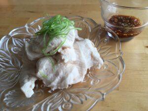 つるっと冷たい、鳥ムネ肉の梅肉ソースをつけて4