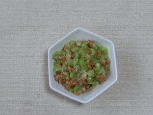 納豆とブロッコリーの茎サラダ3