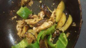 ピーマンと茄子と豚肉の味噌炒め2