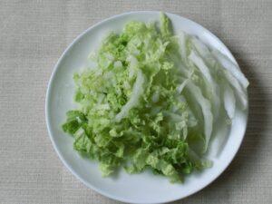 サケの水煮缶と白菜のスープの作り方2