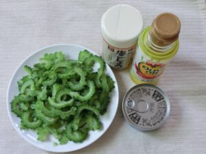 シーチキンとゴーヤのサラダ2