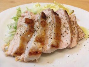 塩水漬け鳥ムネ肉のステーキ3